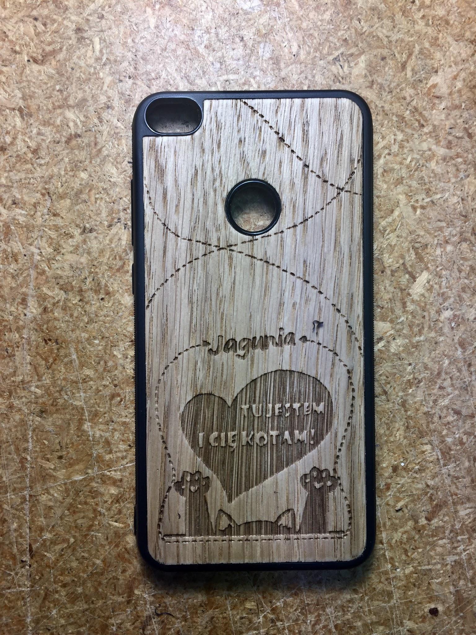 Etui drewniane na zamówienie modele telefonów